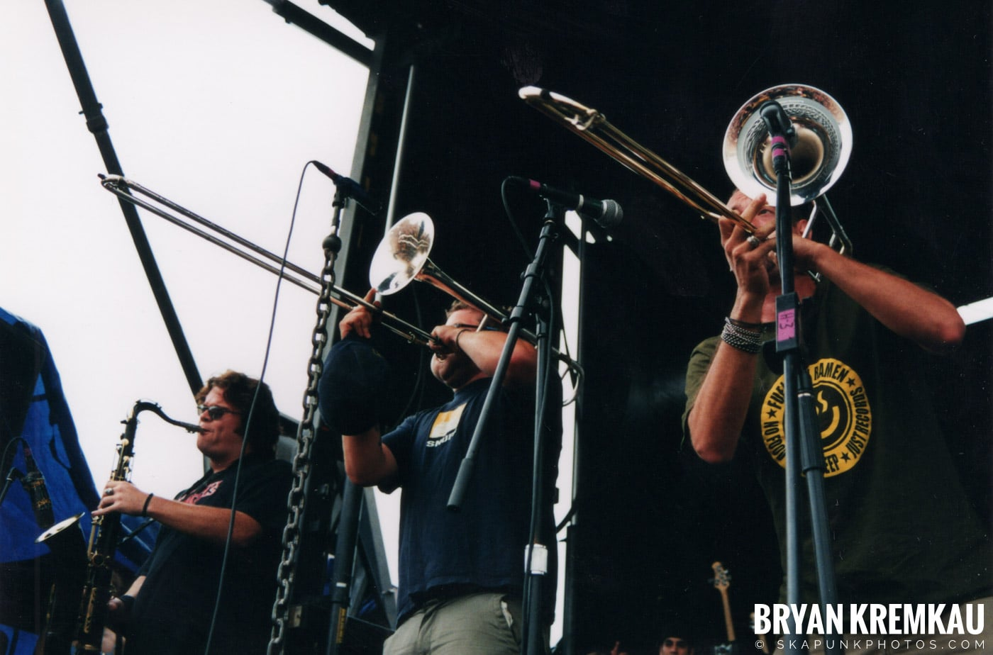 Less Than Jake @ Vans Warped Tour, Randall's Island, NYC - 8.4.01 (14)
