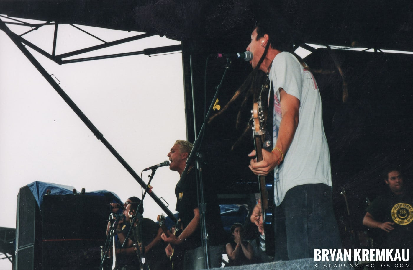 Less Than Jake @ Vans Warped Tour, Randall's Island, NYC - 8.4.01 (3)