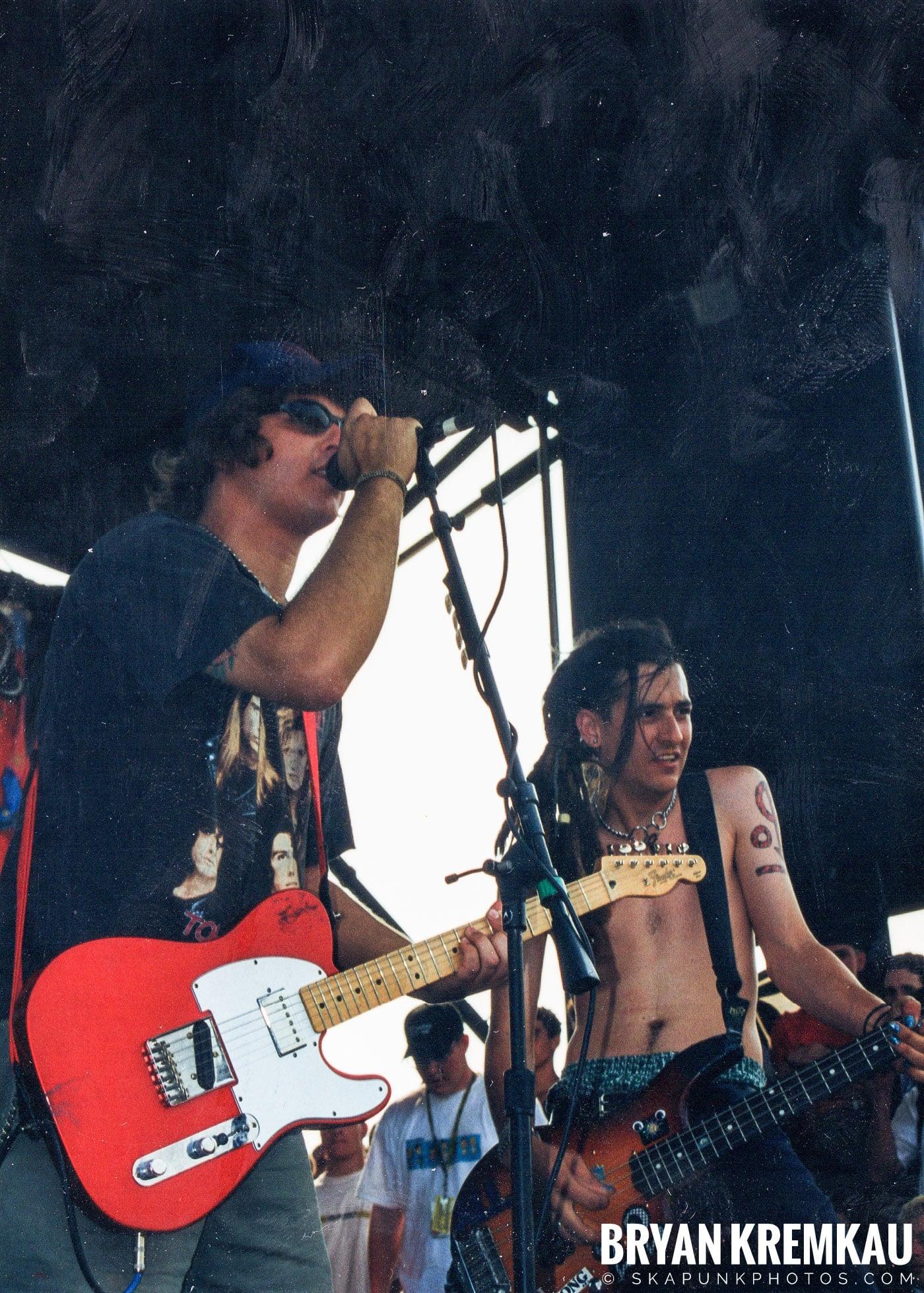 Less Than Jake @ Vans Warped Tour, Randall's Island, NYC - 7.16.99 (13)