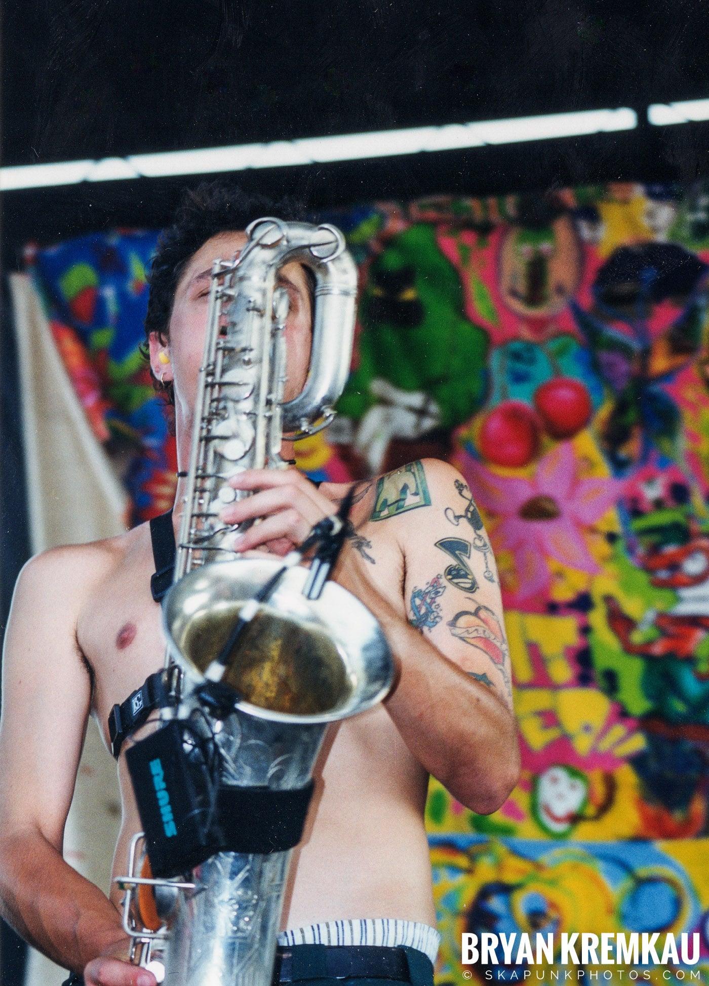 Less Than Jake @ Vans Warped Tour, Randall's Island, NYC - 7.16.99 (3)