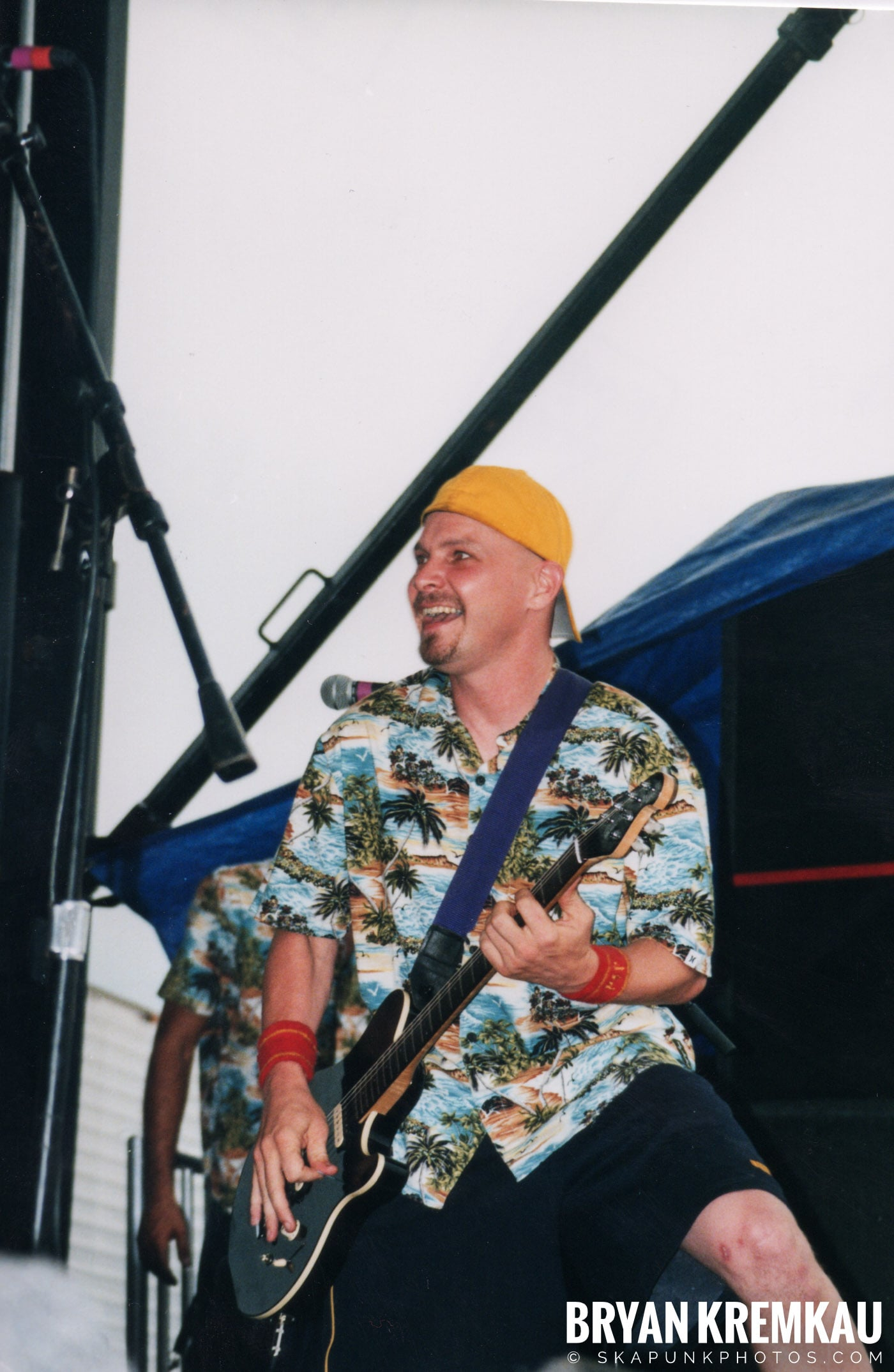 Me First and The Gimme Gimmes @ Vans Warped Tour, Randall's Island, NYC - 8.4.01 (15)