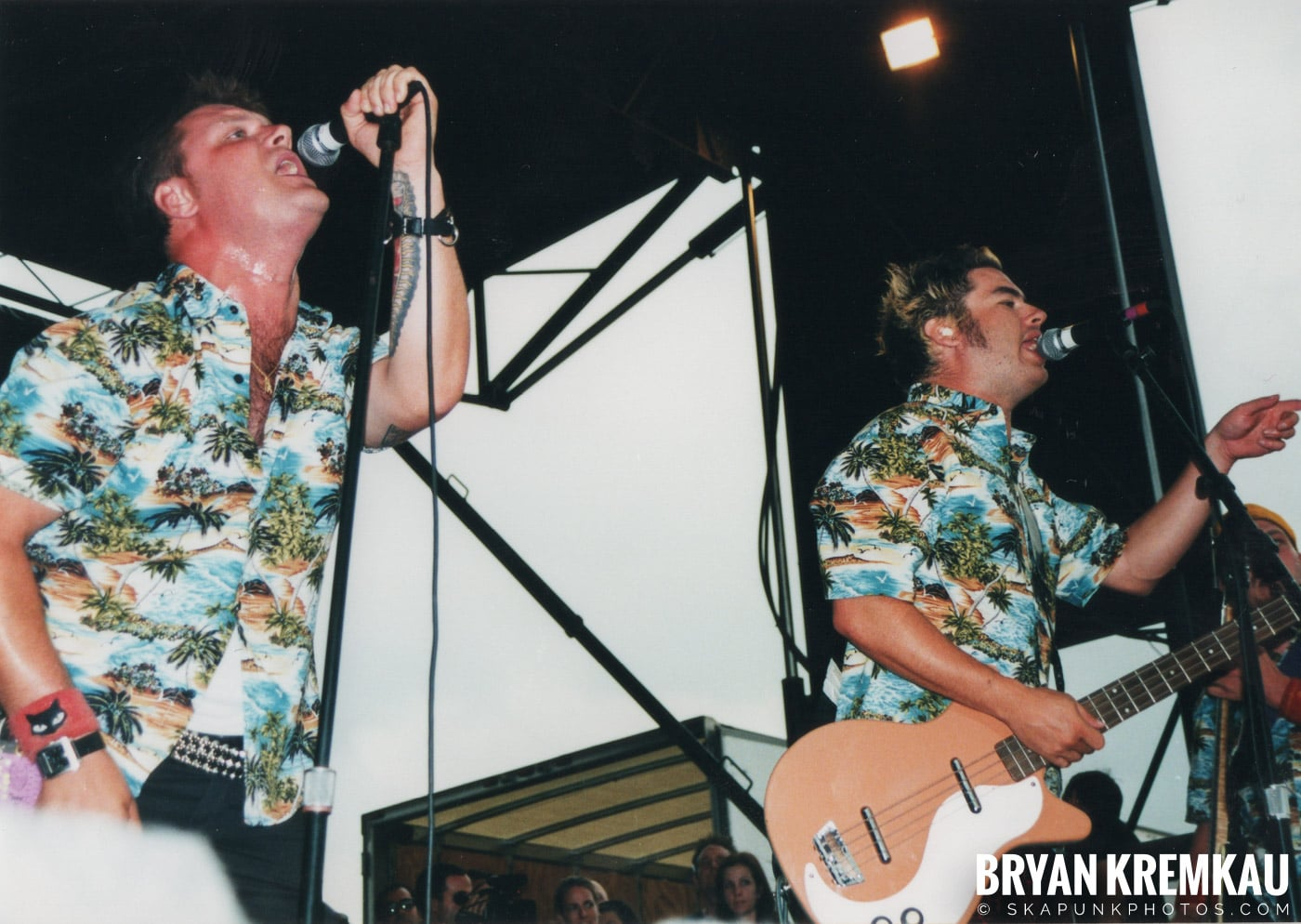 Me First and The Gimme Gimmes @ Vans Warped Tour, Randall's Island, NYC - 8.4.01 (9)