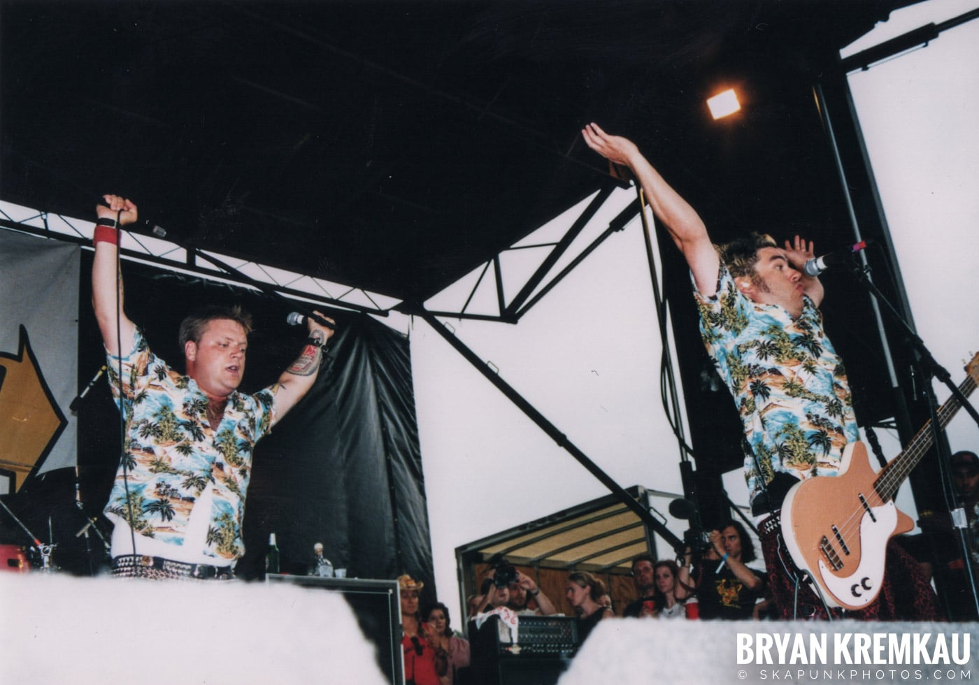 Me First and The Gimme Gimmes @ Vans Warped Tour, Randall's Island, NYC - 8.4.01 (7)