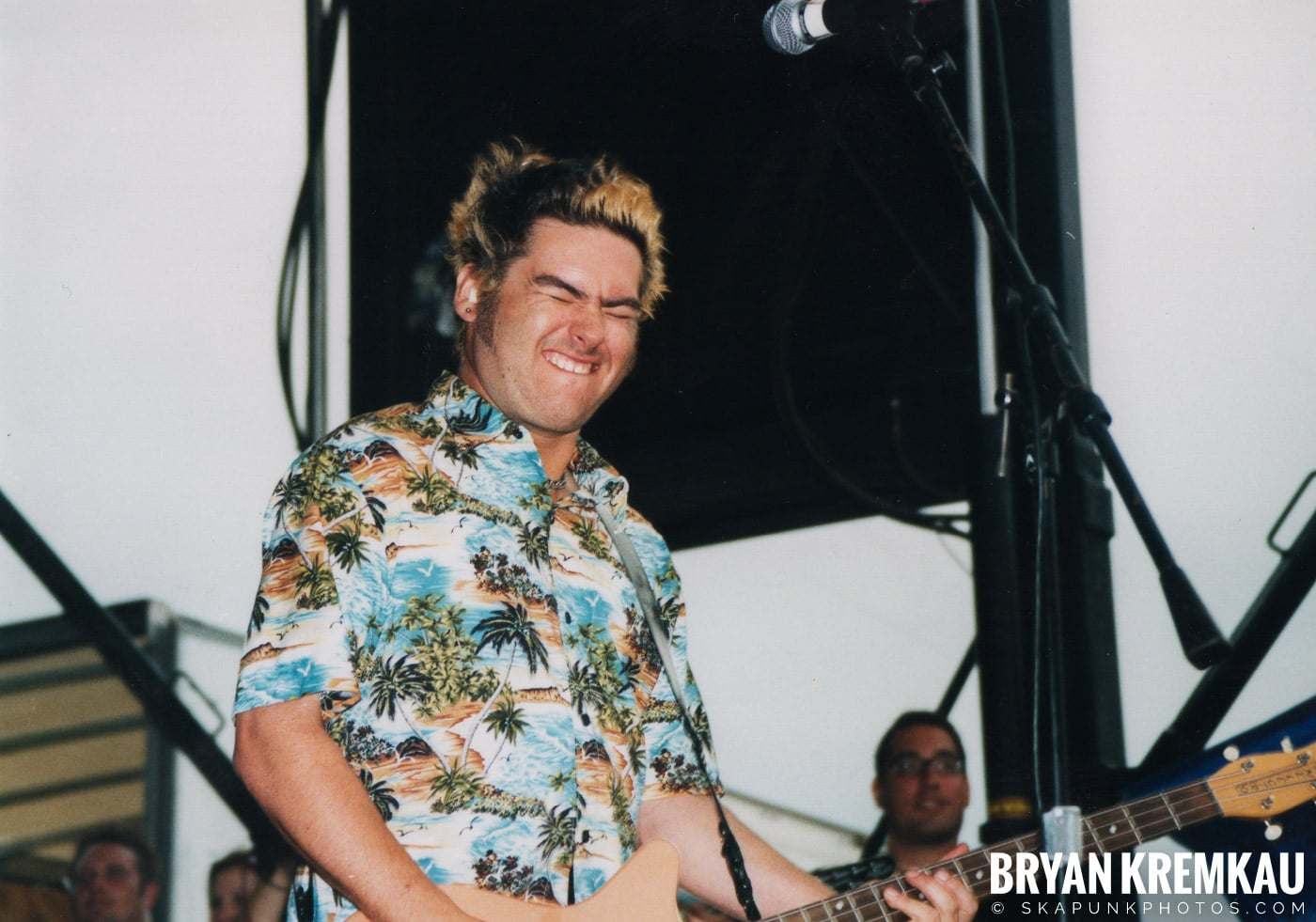 Me First and The Gimme Gimmes @ Vans Warped Tour, Randall's Island, NYC - 8.4.01 (3)