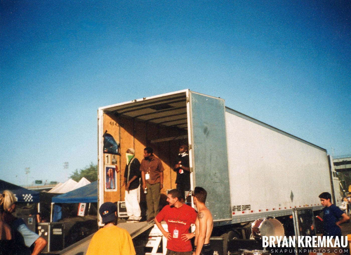 Crowd Shots @ Vans Warped Tour, Randall's Island, NYC - 8.1.98 (7)