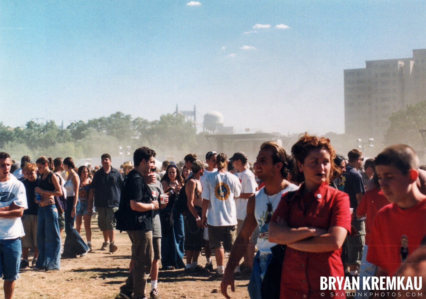 Crowd Shots @ Vans Warped Tour, Randall's Island, NYC - 8.1.98 (4)