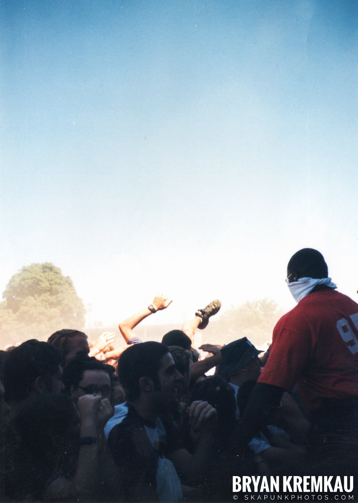 Crowd Shots @ Vans Warped Tour, Randall's Island, NYC - 8.1.98 (1)