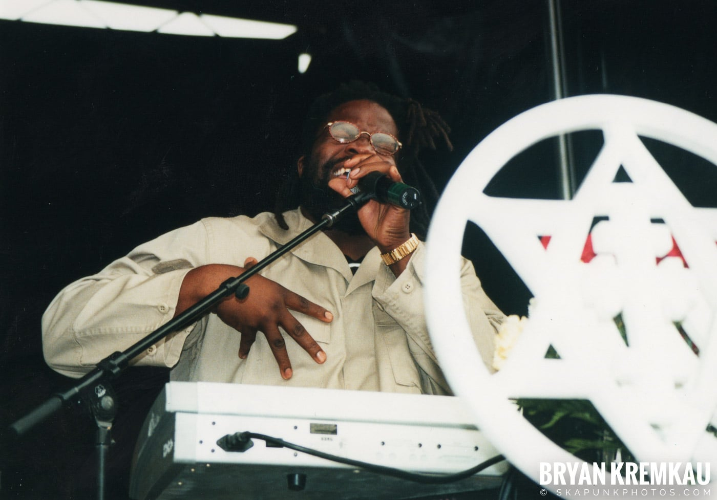 Morgan Heritage @ Vans Warped Tour, Randall's Island, NYC - 8.4.01 (5)