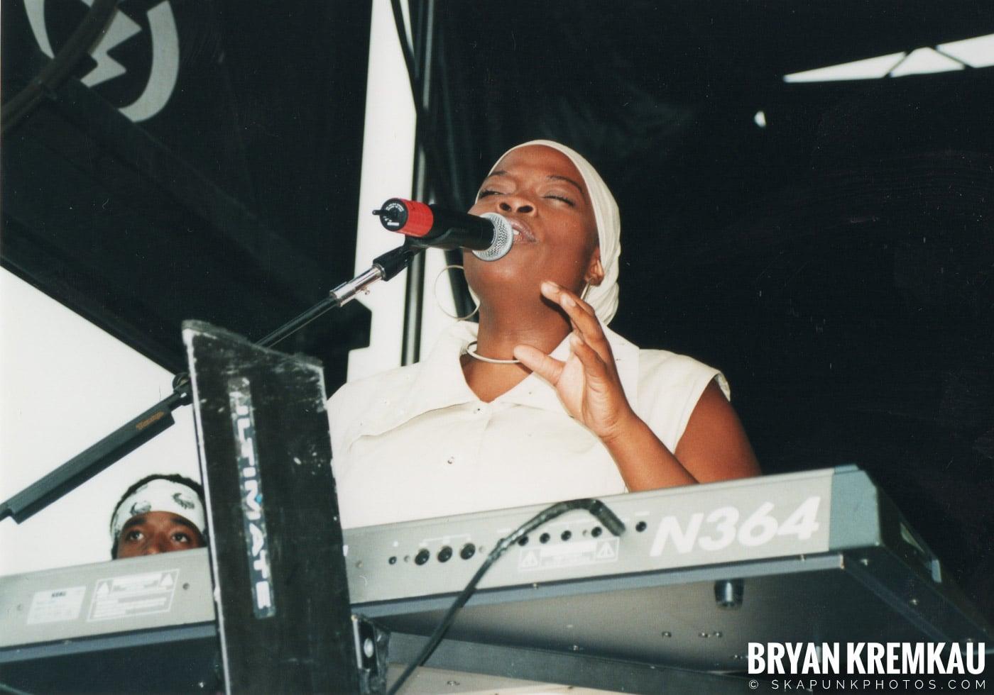 Morgan Heritage @ Vans Warped Tour, Randall's Island, NYC - 8.4.01 (1)