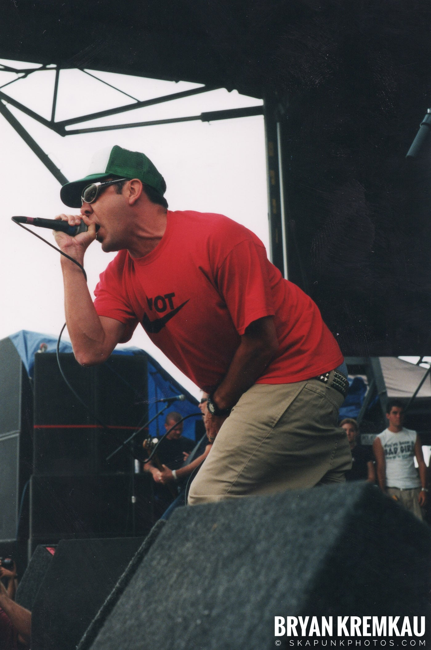 Pennywise @ Vans Warped Tour, Randall's Island, NYC - 8.4.01 (16)