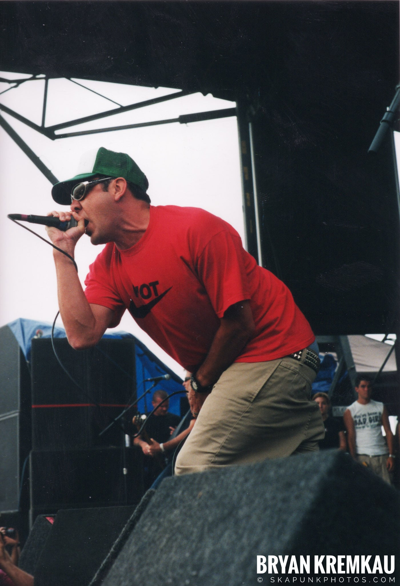 Pennywise @ Vans Warped Tour, Randall's Island, NYC - 8.4.01 (7)