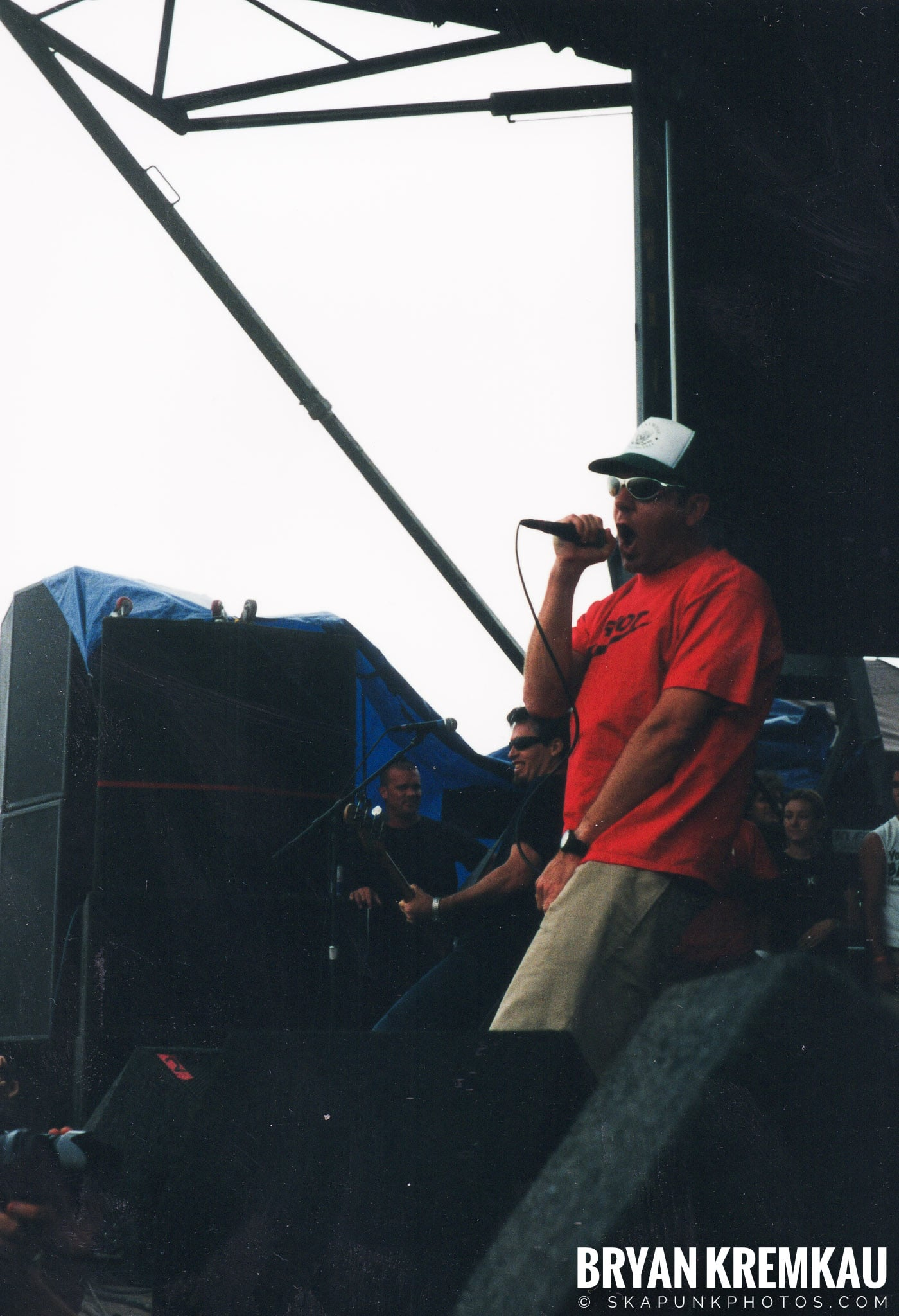 Pennywise @ Vans Warped Tour, Randall's Island, NYC - 8.4.01 (1)