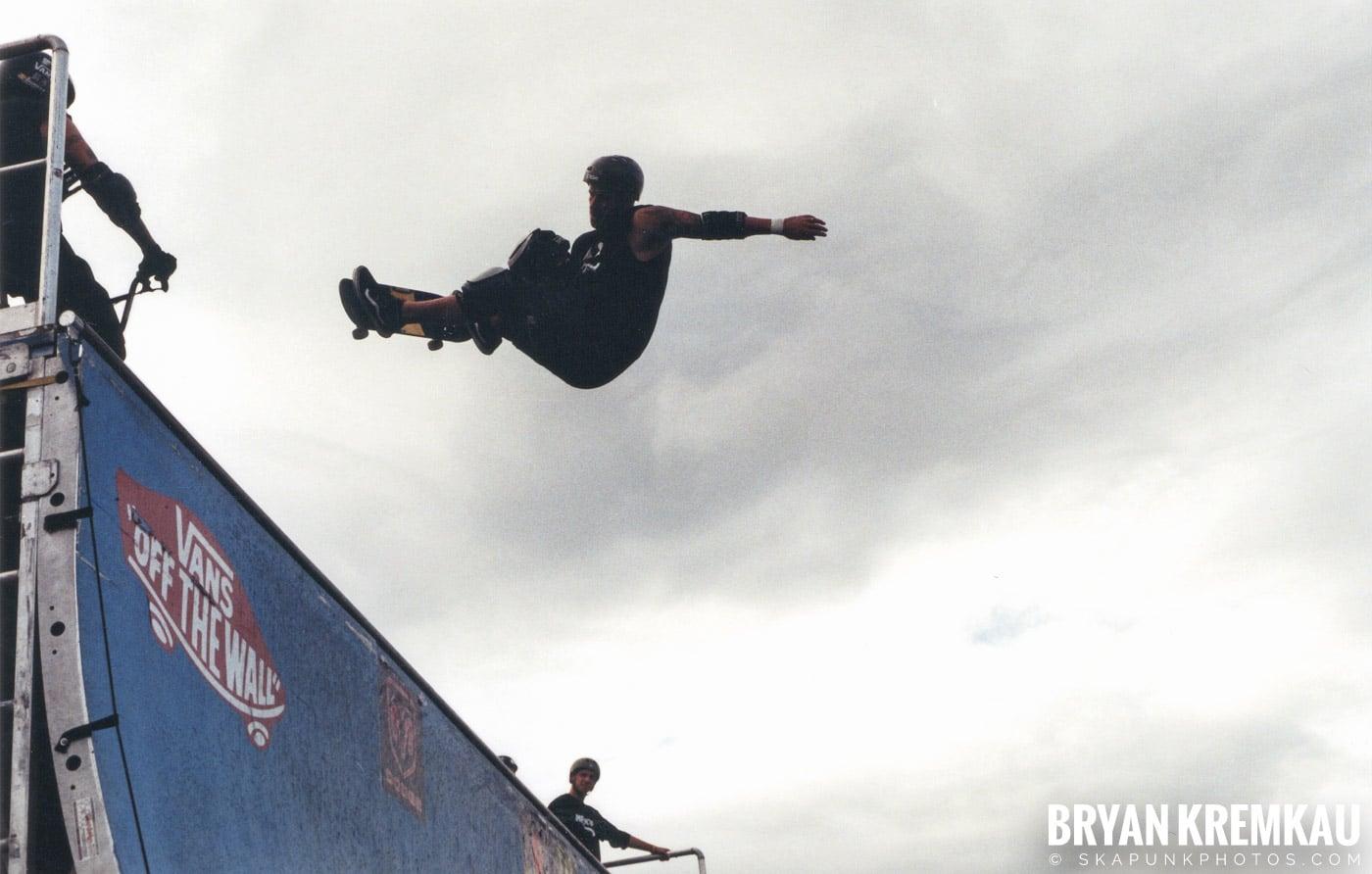 Skaters @ Vans Warped Tour, Randall's Island, NYC - 8.7.04 (12)