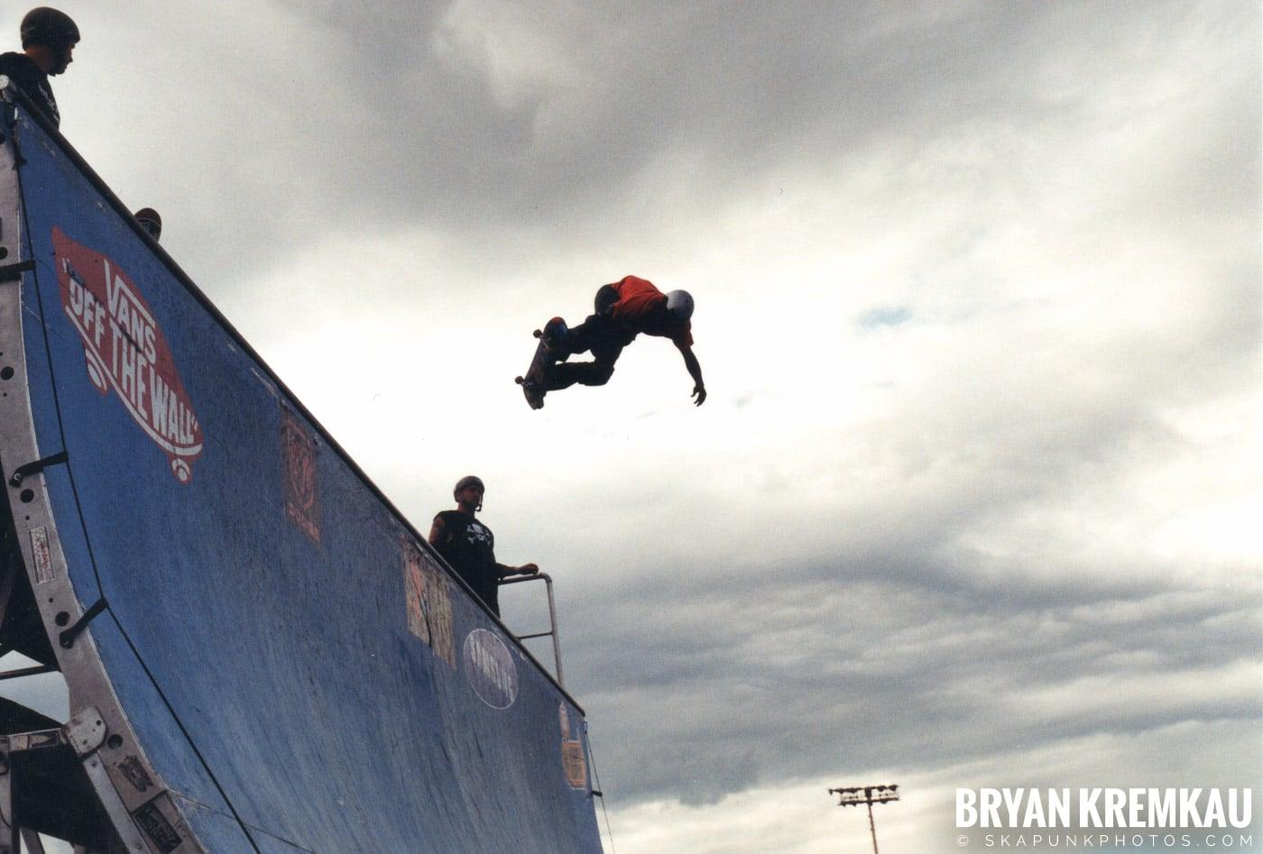 Skaters @ Vans Warped Tour, Randall's Island, NYC - 8.7.04 (11)