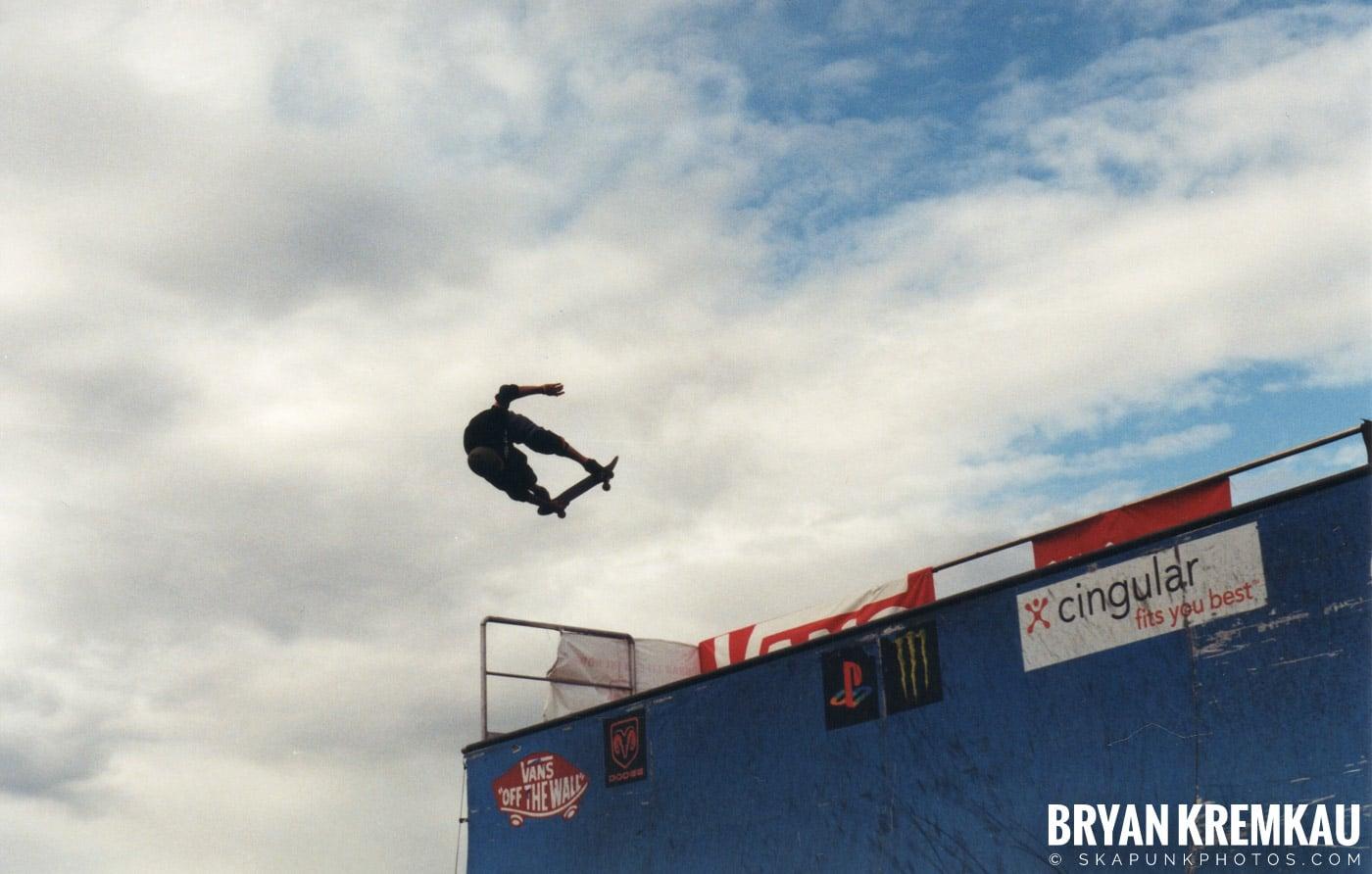 Skaters @ Vans Warped Tour, Randall's Island, NYC - 8.7.04 (9)