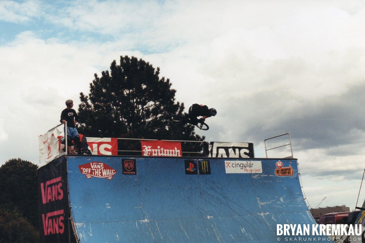 Skaters @ Vans Warped Tour, Randall's Island, NYC - 8.7.04 (4)