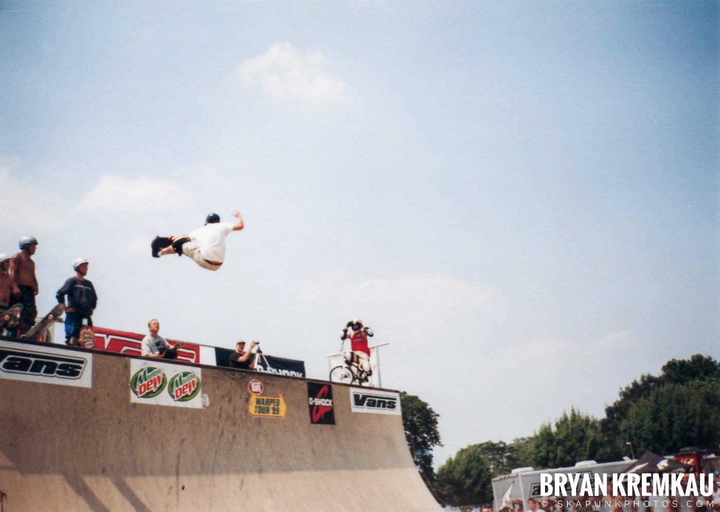 Skaters @ Vans Warped Tour, Randall's Island, NYC - 7.16.99 (15)