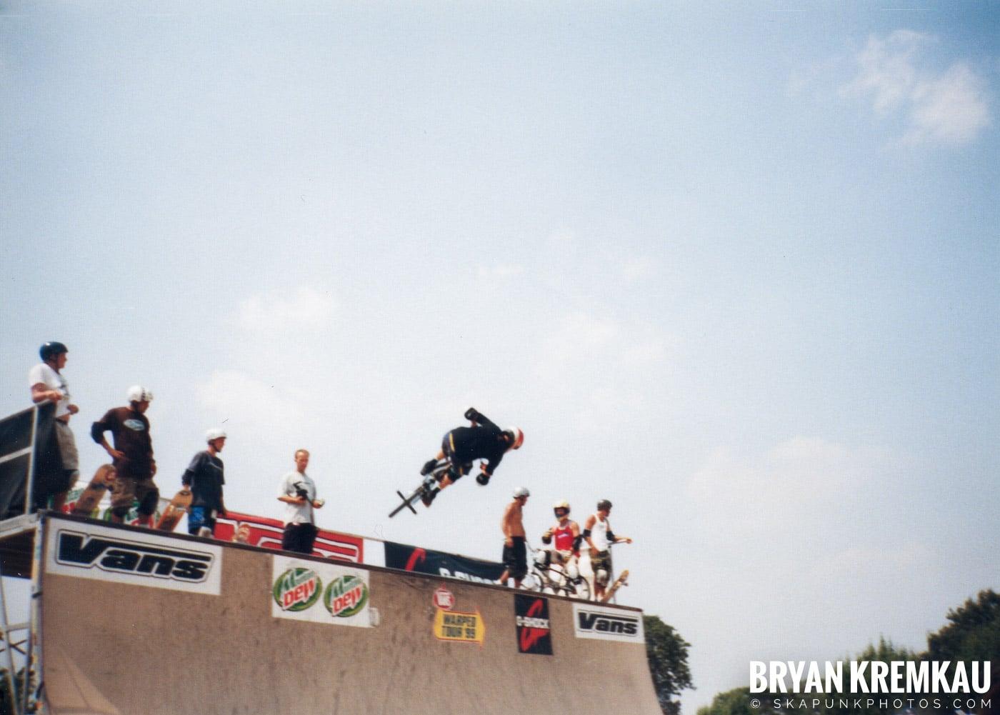 Skaters @ Vans Warped Tour, Randall's Island, NYC - 7.16.99 (14)