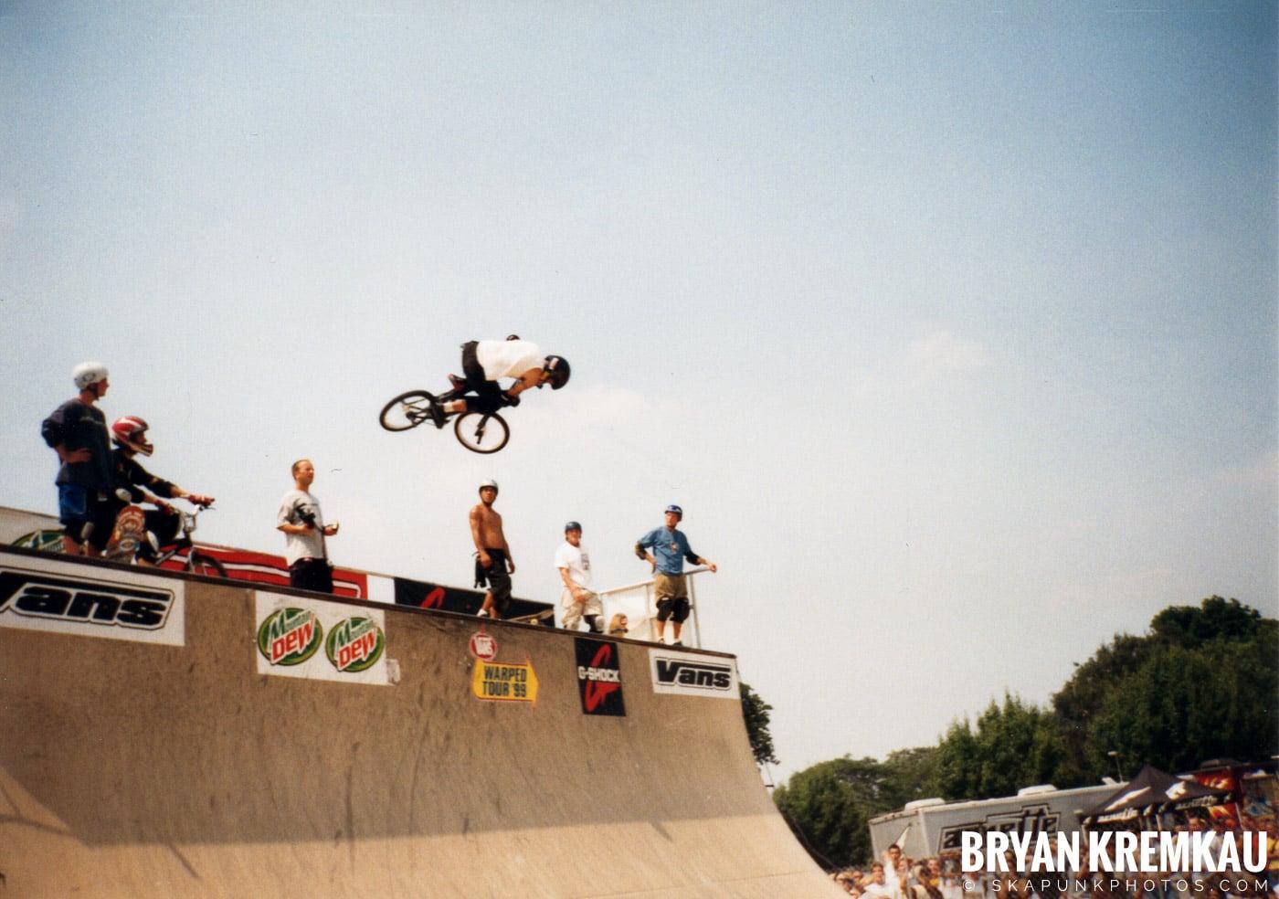 Skaters @ Vans Warped Tour, Randall's Island, NYC - 7.16.99 (7)