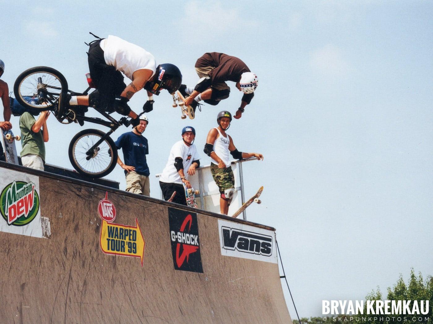 Skaters @ Vans Warped Tour, Randall's Island, NYC - 7.16.99 (3)