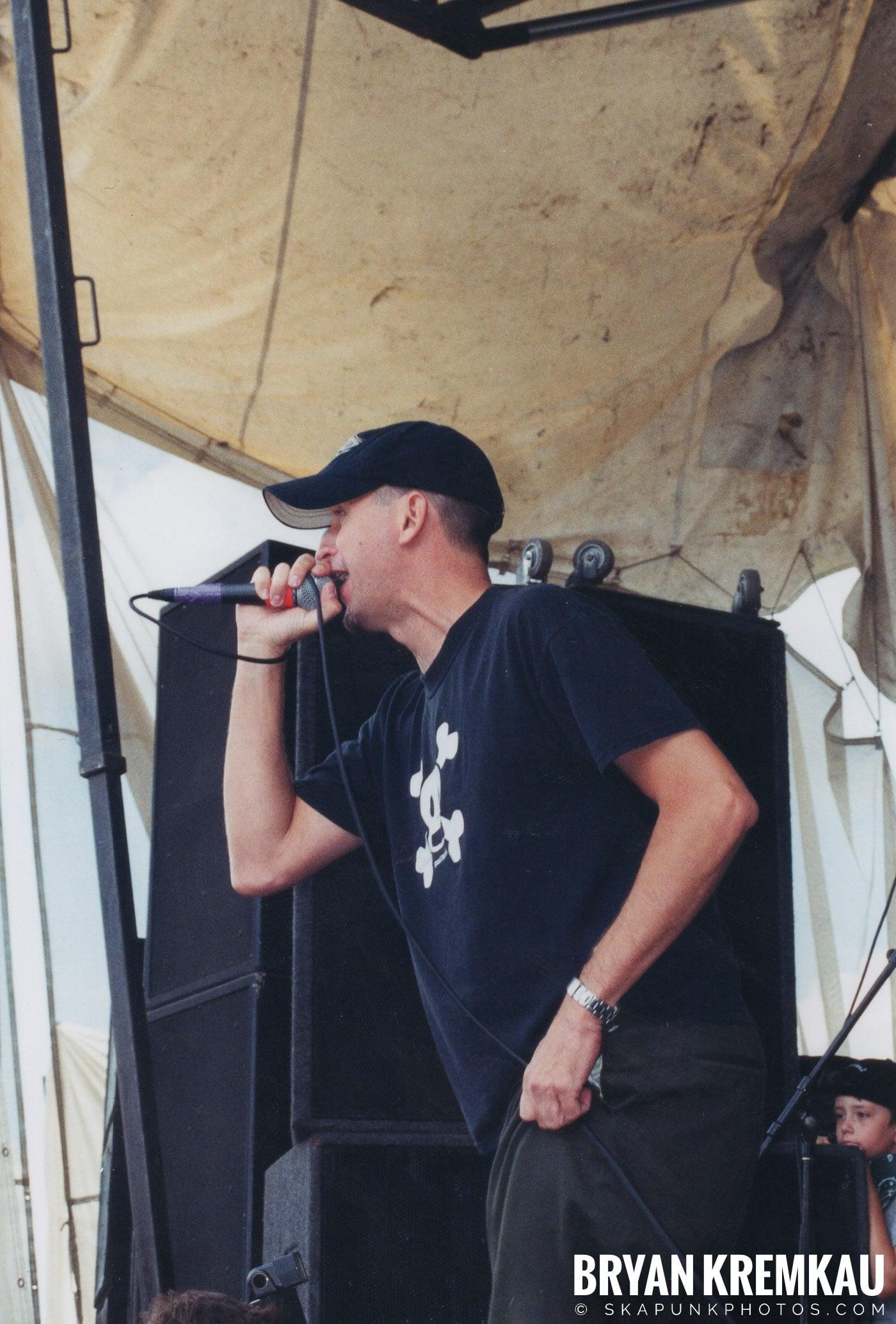 The Vandals @ Vans Warped Tour, Randall's Island, NYC - 8.7.04 (10)