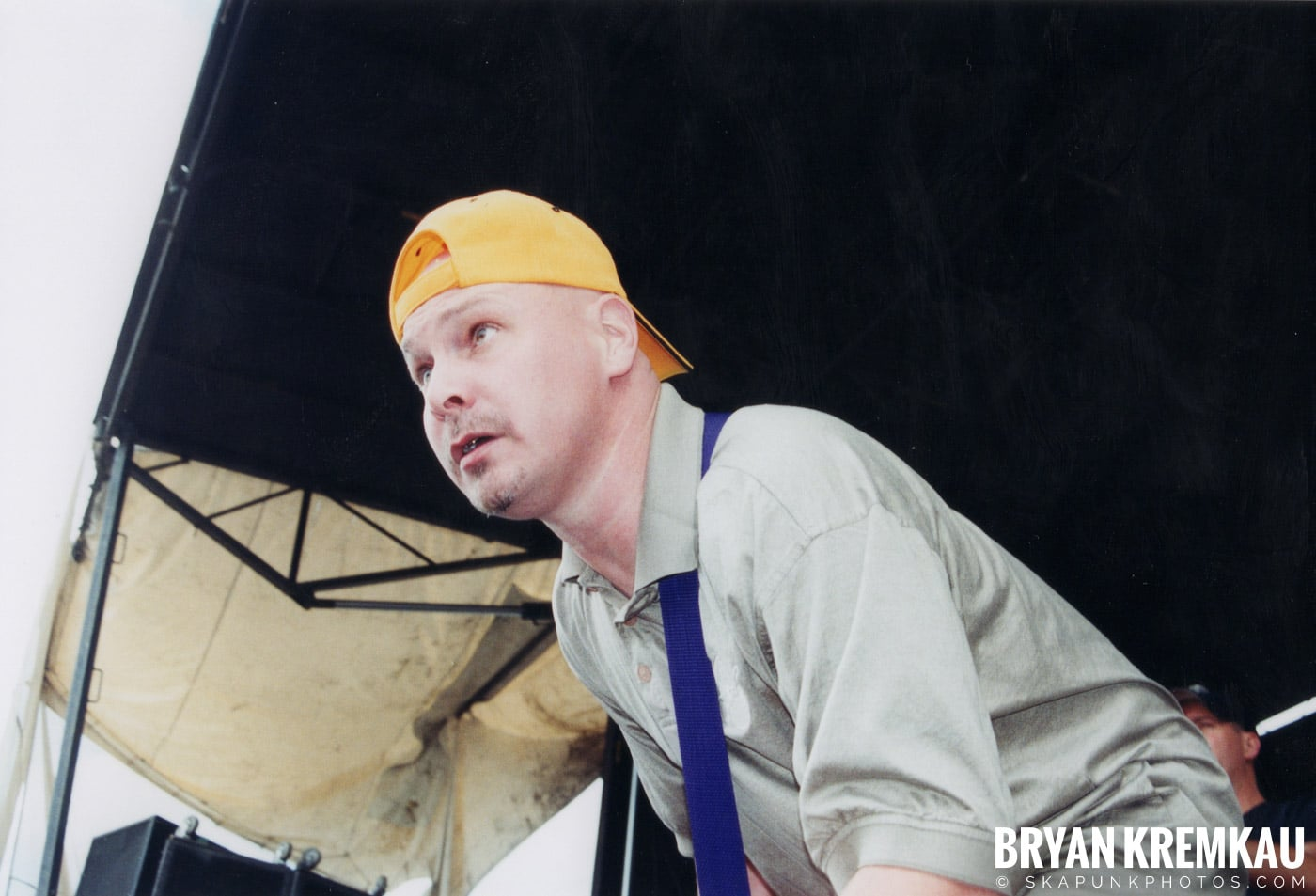 The Vandals @ Vans Warped Tour, Randall's Island, NYC - 8.7.04 (8)