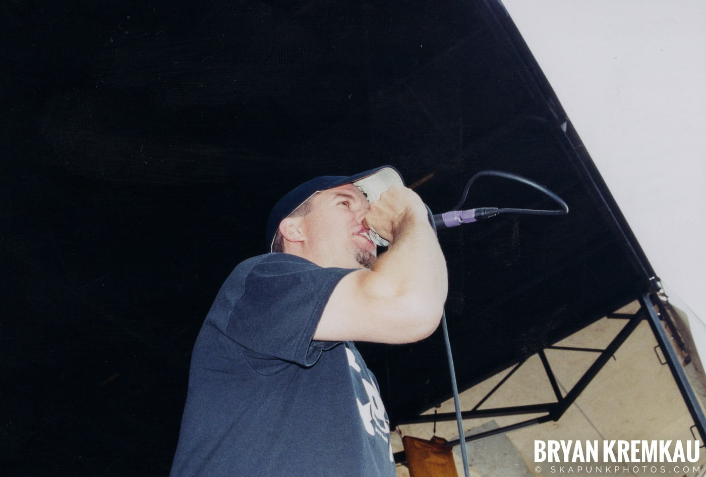 The Vandals @ Vans Warped Tour, Randall's Island, NYC - 8.7.04 (5)