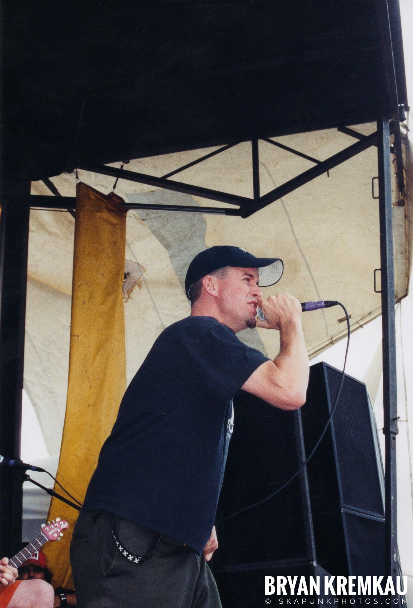 The Vandals @ Vans Warped Tour, Randall's Island, NYC - 8.7.04 (1)