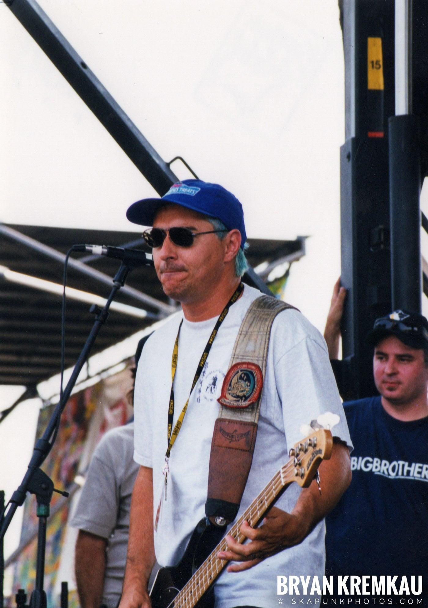 The Vandals @ Vans Warped Tour, Randall's Island, NYC - 7.16.99 (5)