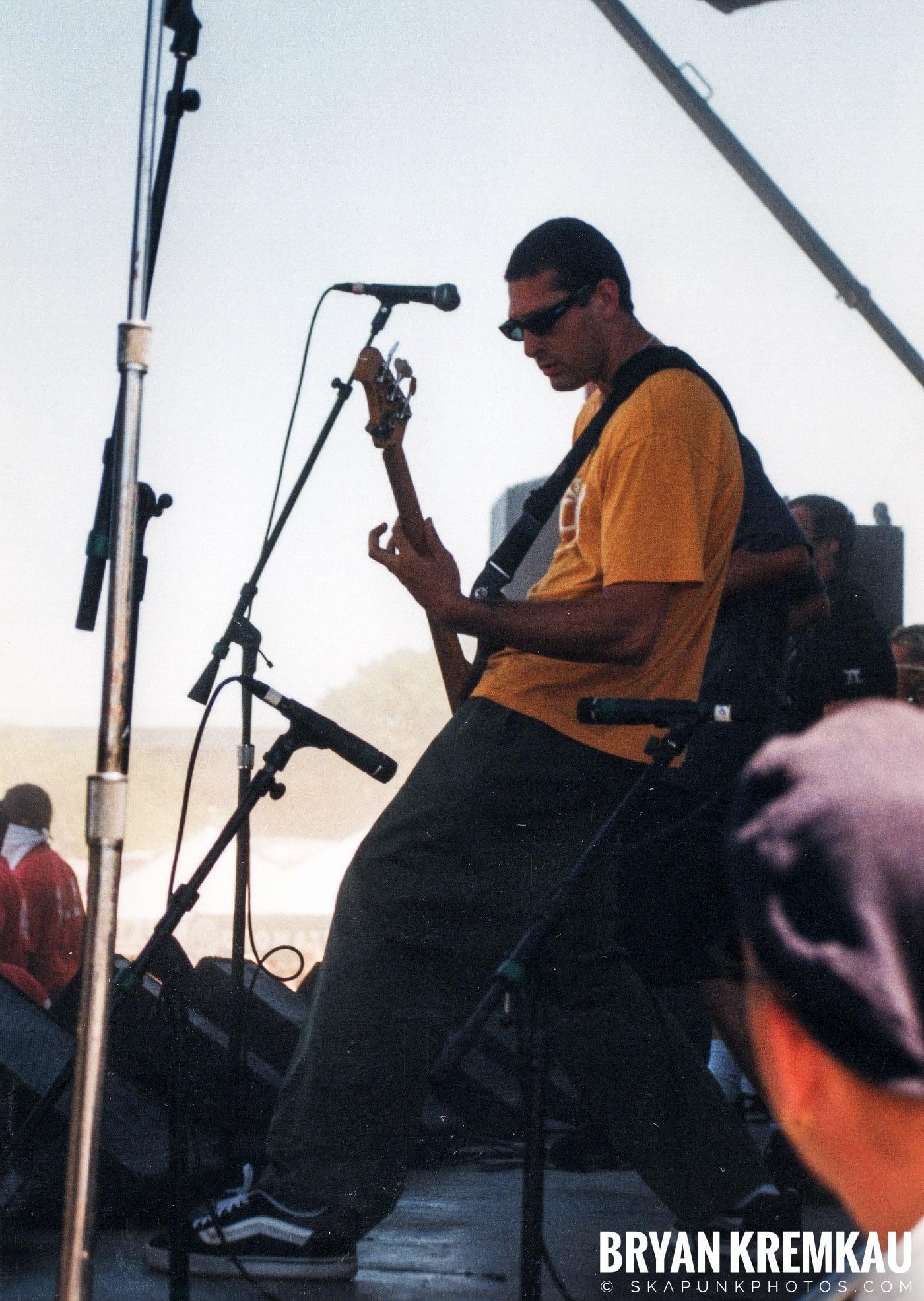 Voodoo Glow Skulls @ Vans Warped Tour, Randall's Island, NYC - 8.1.98 (15)