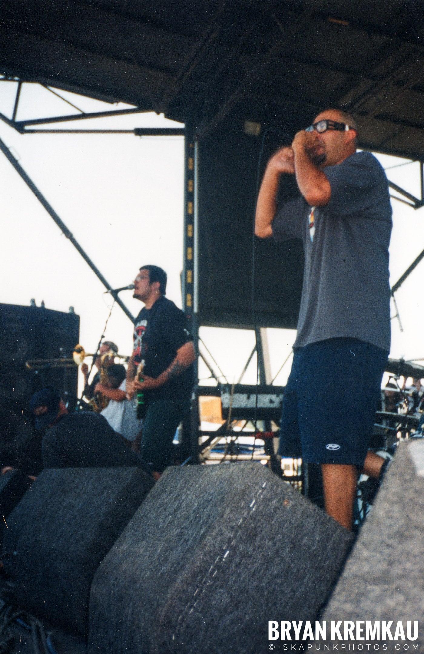 Voodoo Glow Skulls @ Vans Warped Tour, Randall's Island, NYC - 8.1.98 (11)