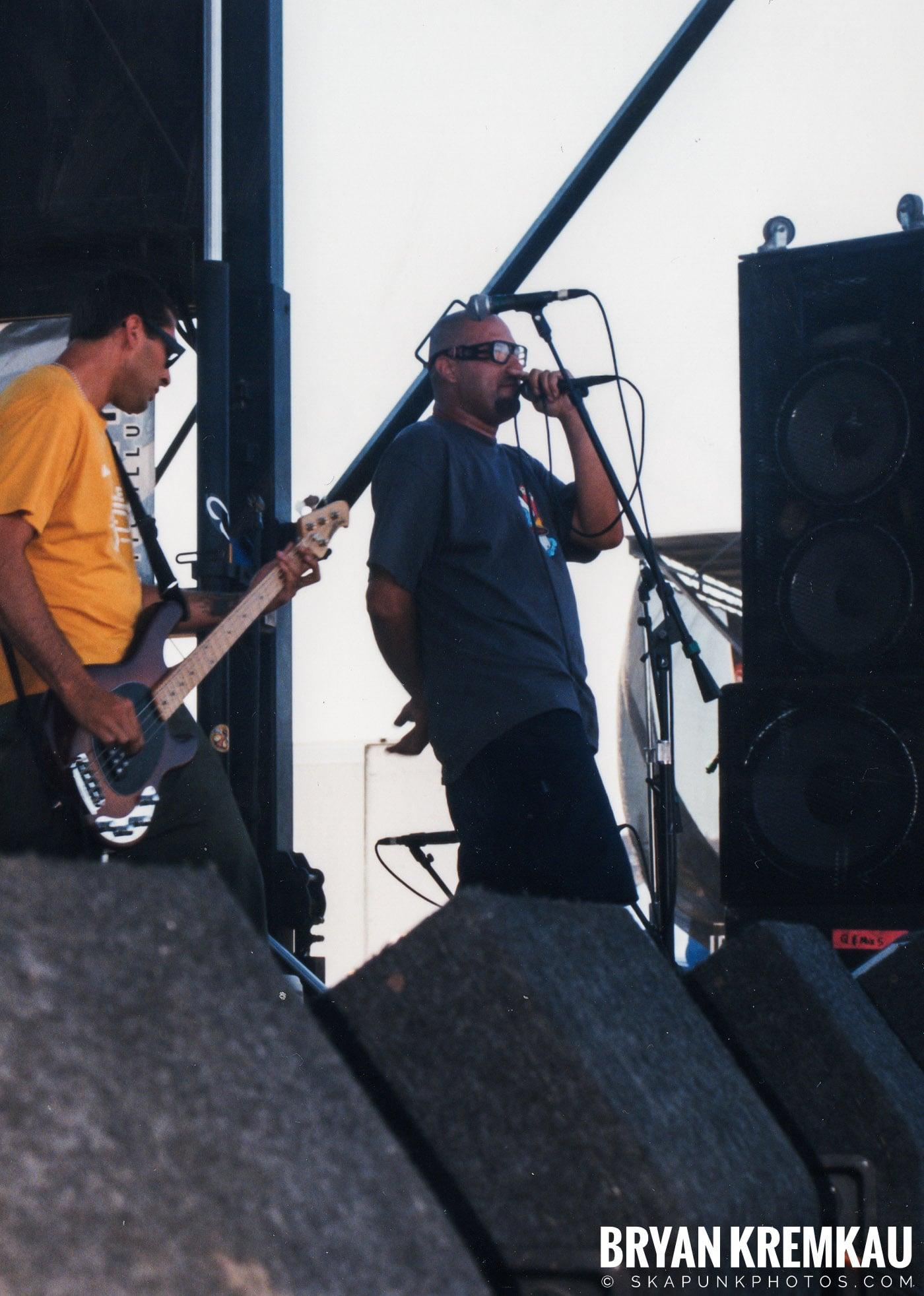 Voodoo Glow Skulls @ Vans Warped Tour, Randall's Island, NYC - 8.1.98 (4)