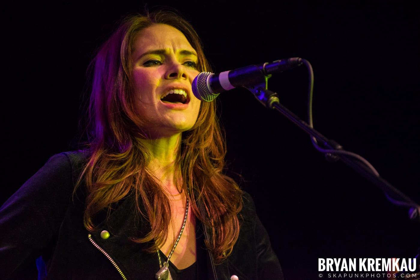 Suzanne Santo @ Brooklyn Bowl, Brooklyn, NY - 12.10.17 (9)