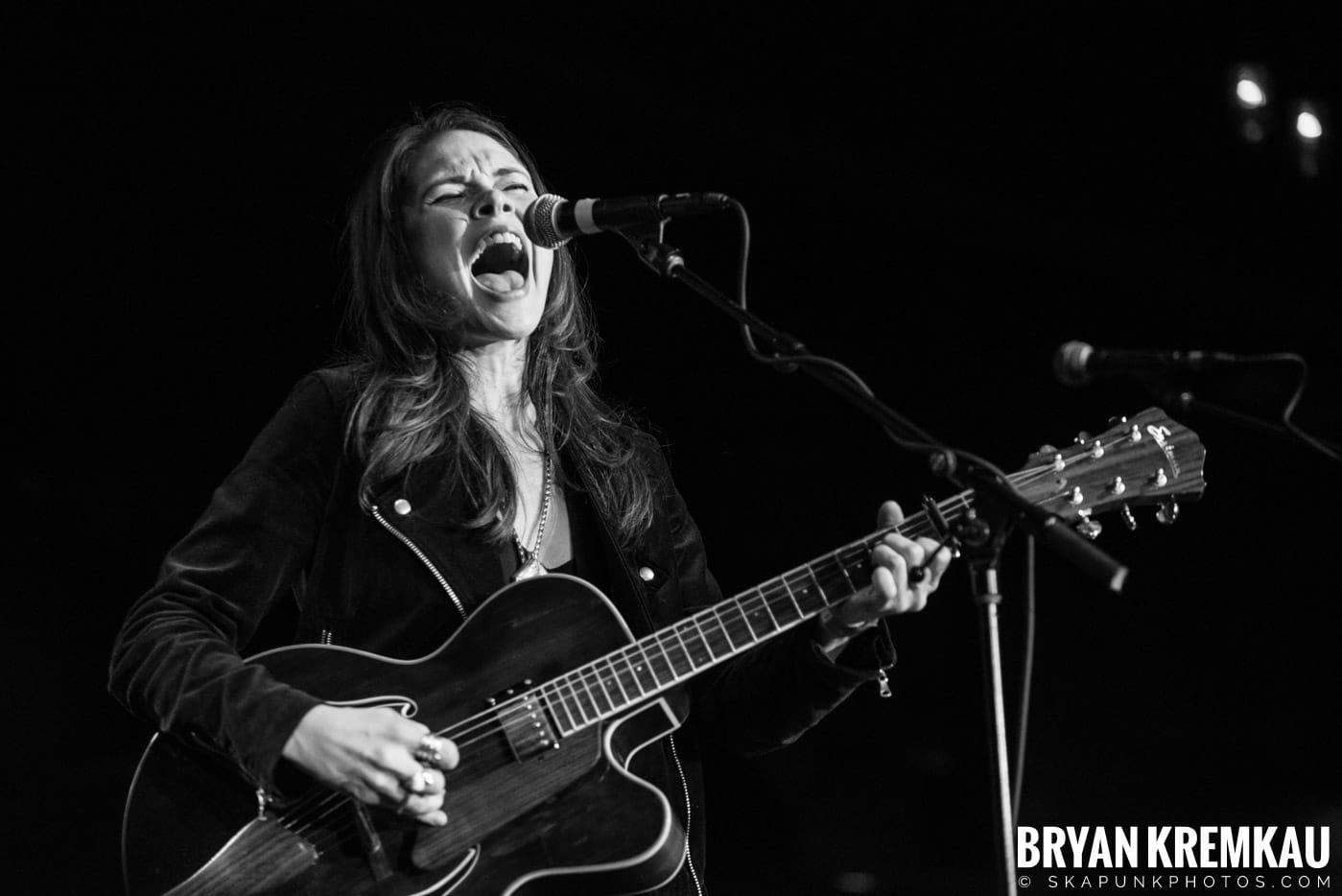 Suzanne Santo @ Brooklyn Bowl, Brooklyn, NY - 12.10.17 (7)