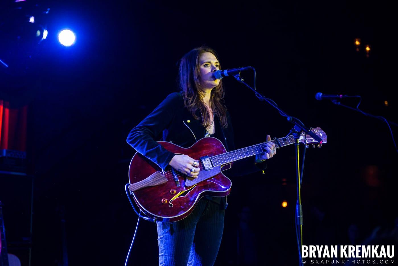 Suzanne Santo @ Brooklyn Bowl, Brooklyn, NY - 12.10.17 (6)