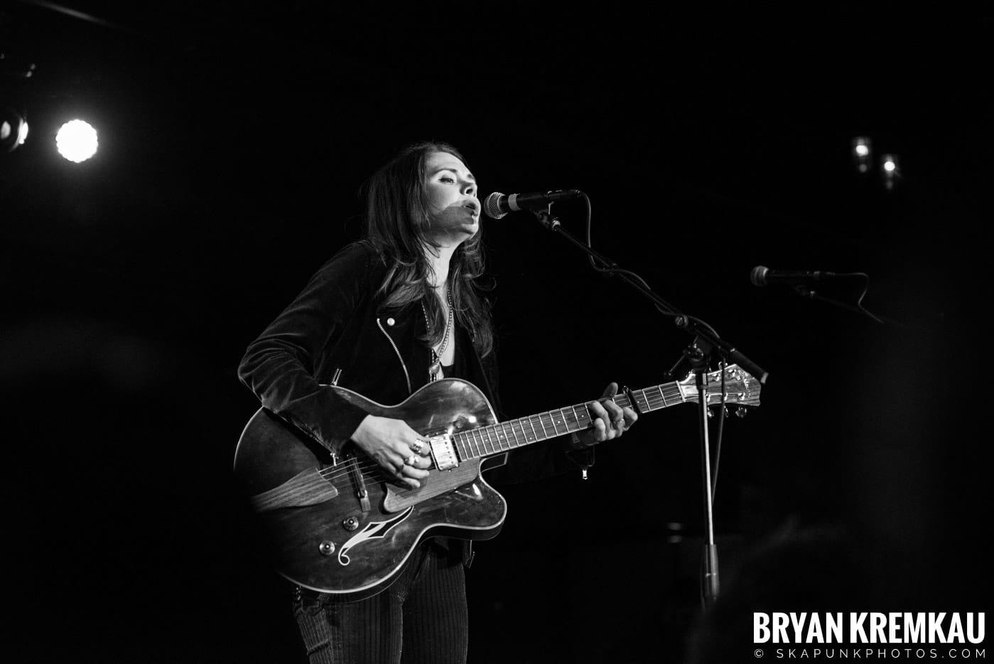 Suzanne Santo @ Brooklyn Bowl, Brooklyn, NY - 12.10.17 (5)