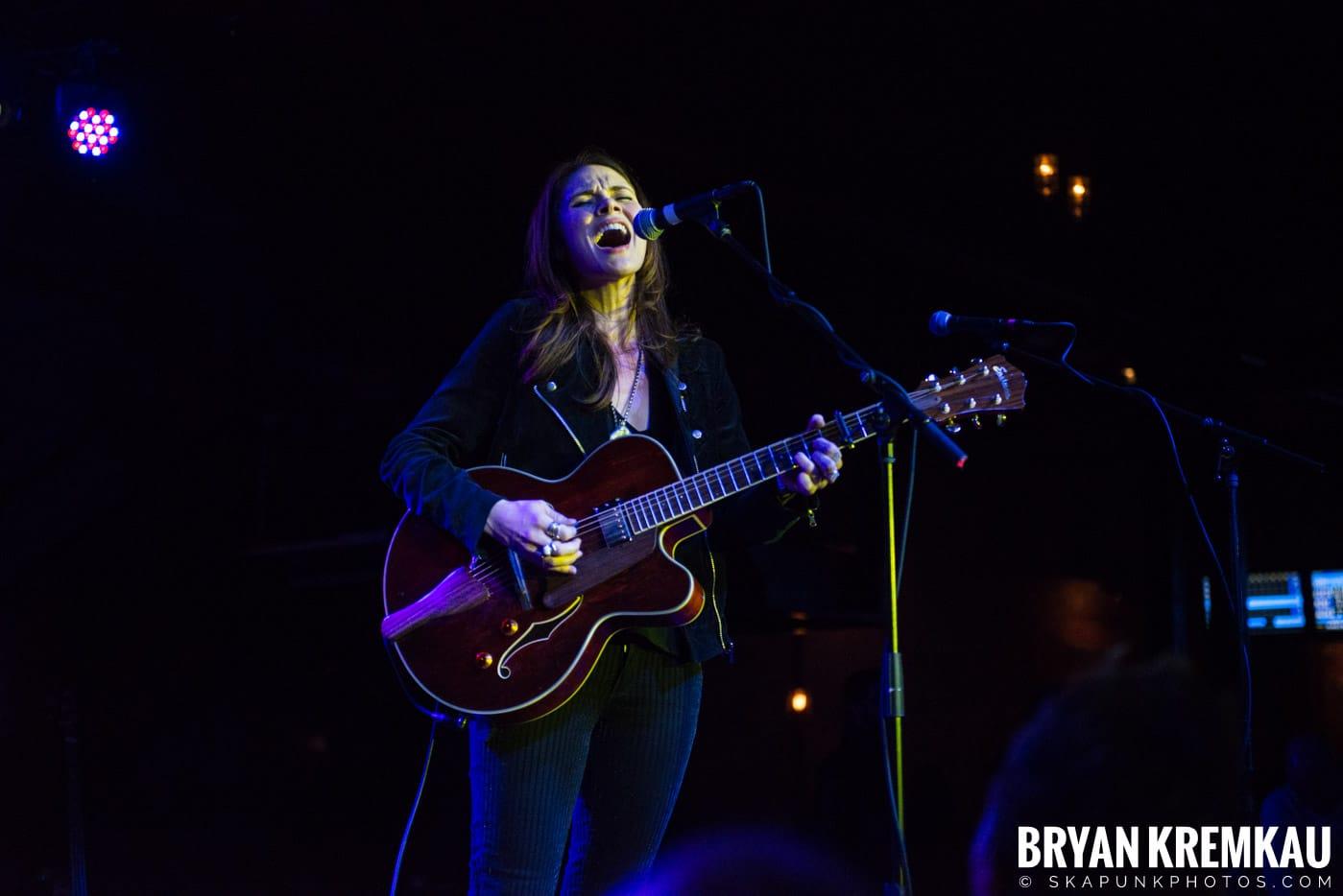 Suzanne Santo @ Brooklyn Bowl, Brooklyn, NY - 12.10.17 (1)