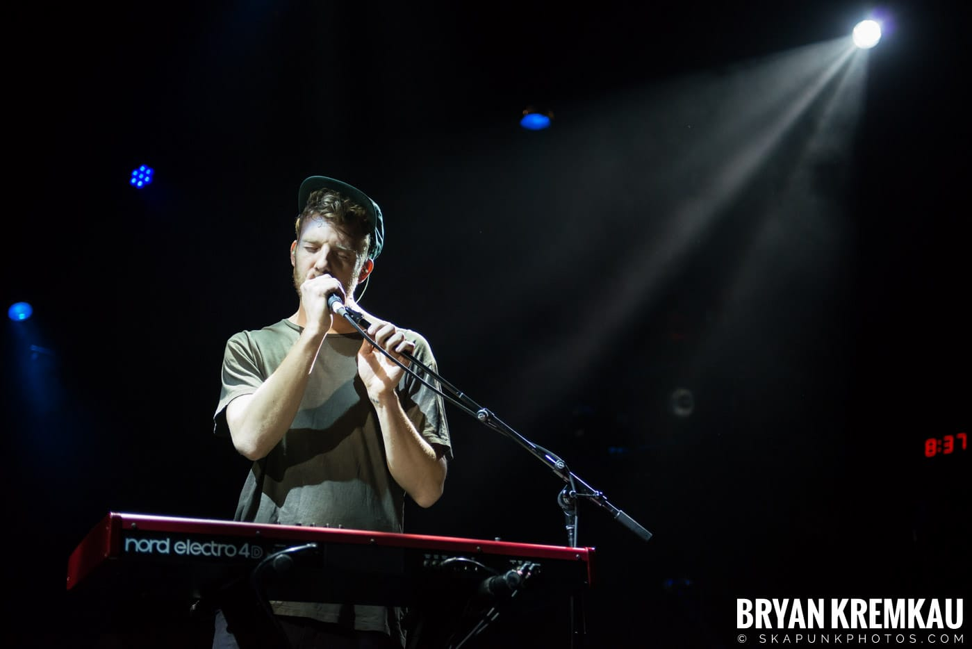 Andrew Belle @ Playstation Theater, NYC - 3.15.18 (32)