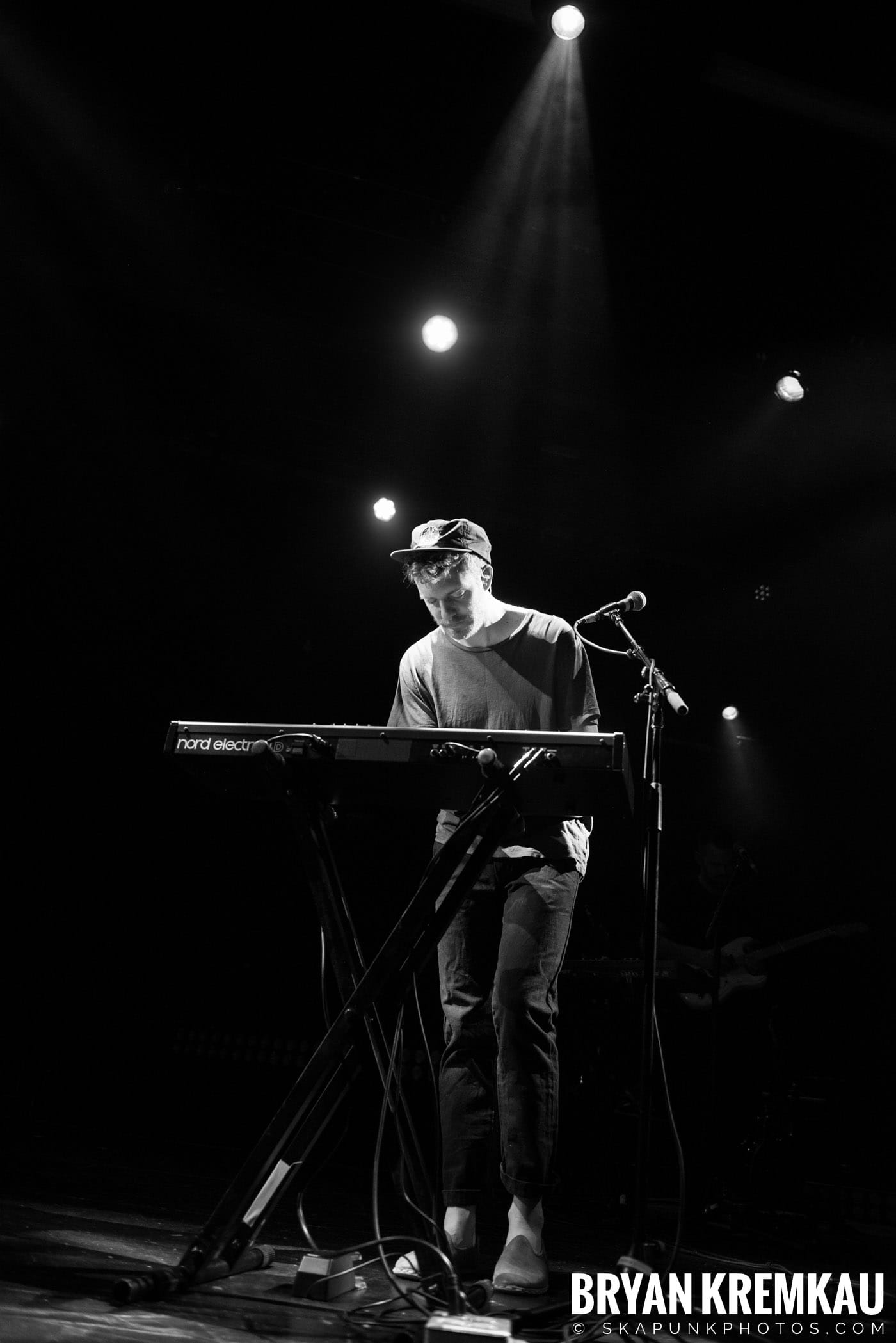Andrew Belle @ Playstation Theater, NYC - 3.15.18 (29)