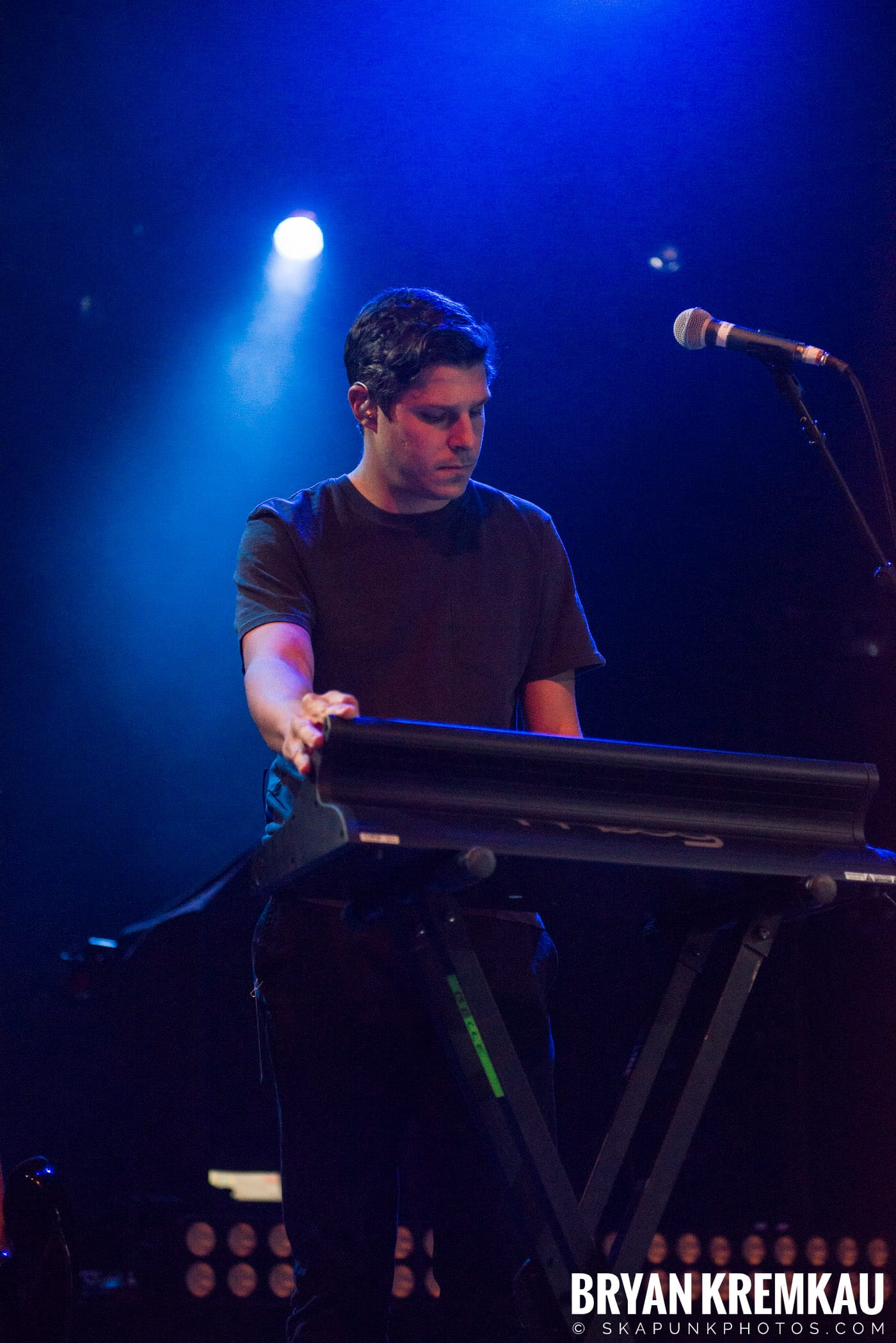 Andrew Belle @ Playstation Theater, NYC - 3.15.18 (28)