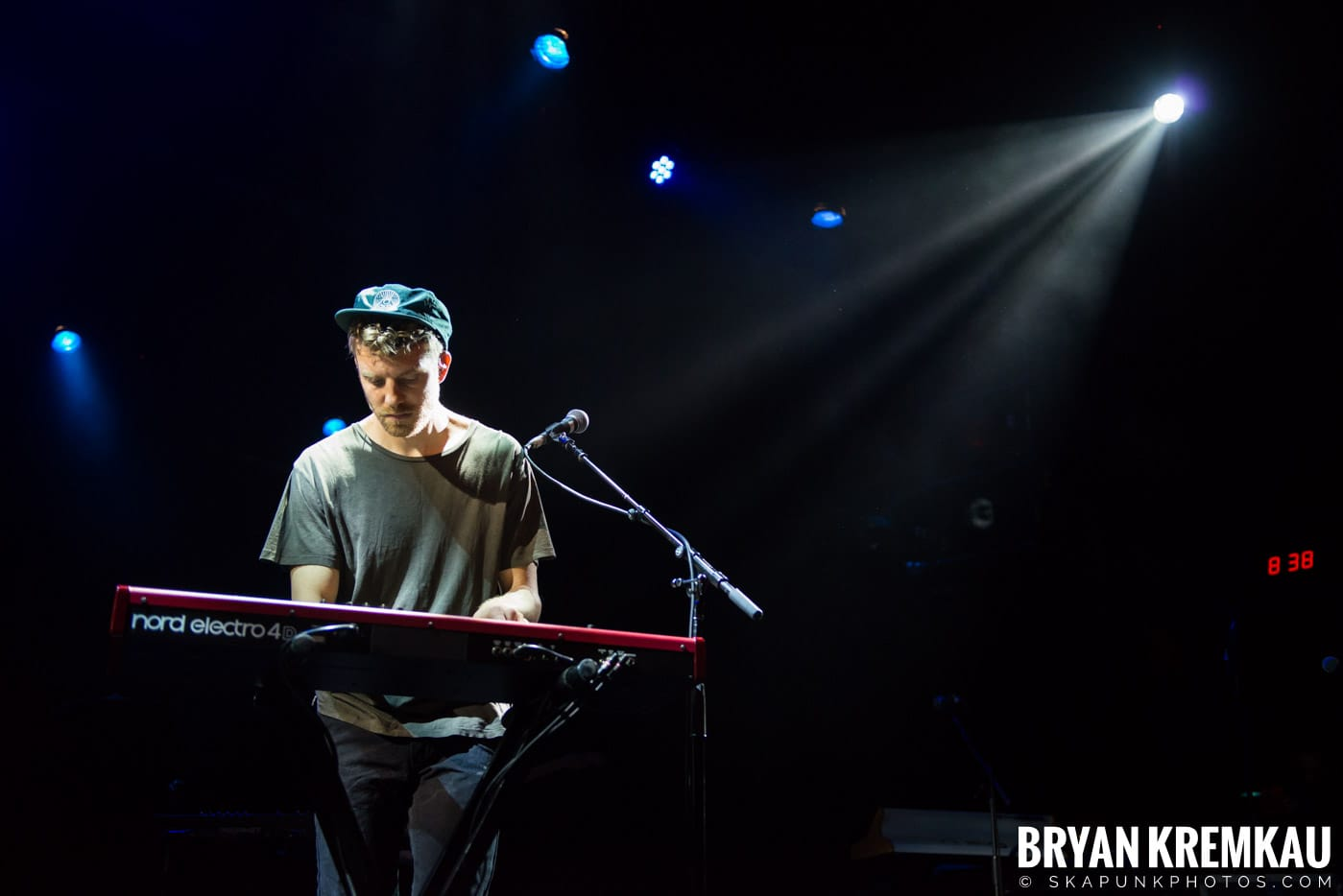Andrew Belle @ Playstation Theater, NYC - 3.15.18 (27)