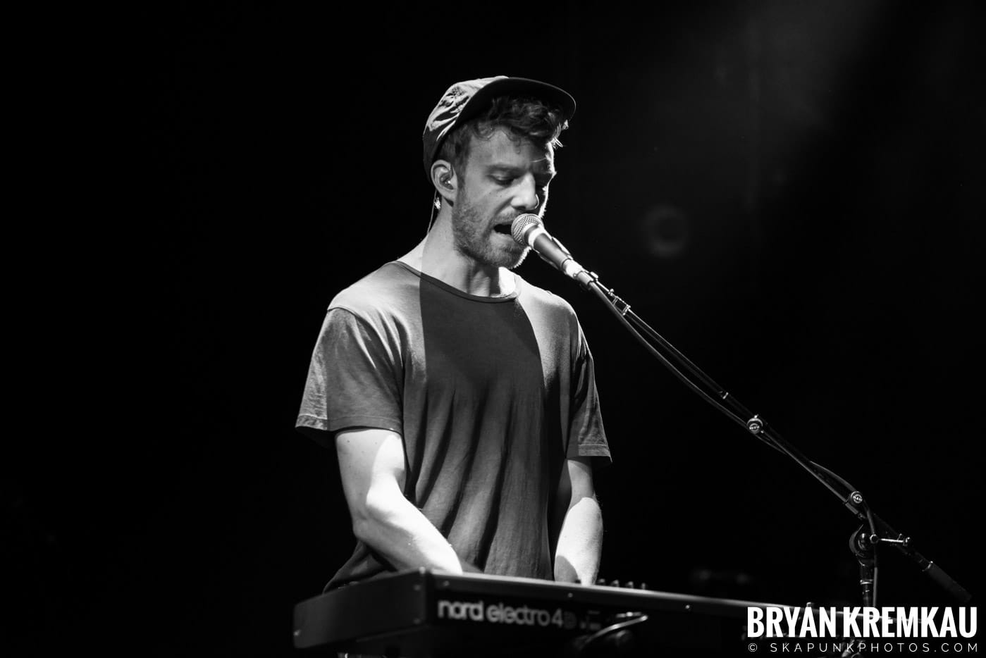 Andrew Belle @ Playstation Theater, NYC - 3.15.18 (19)