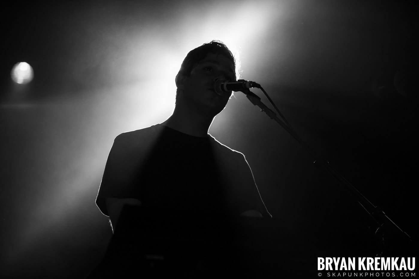Andrew Belle @ Playstation Theater, NYC - 3.15.18 (14)