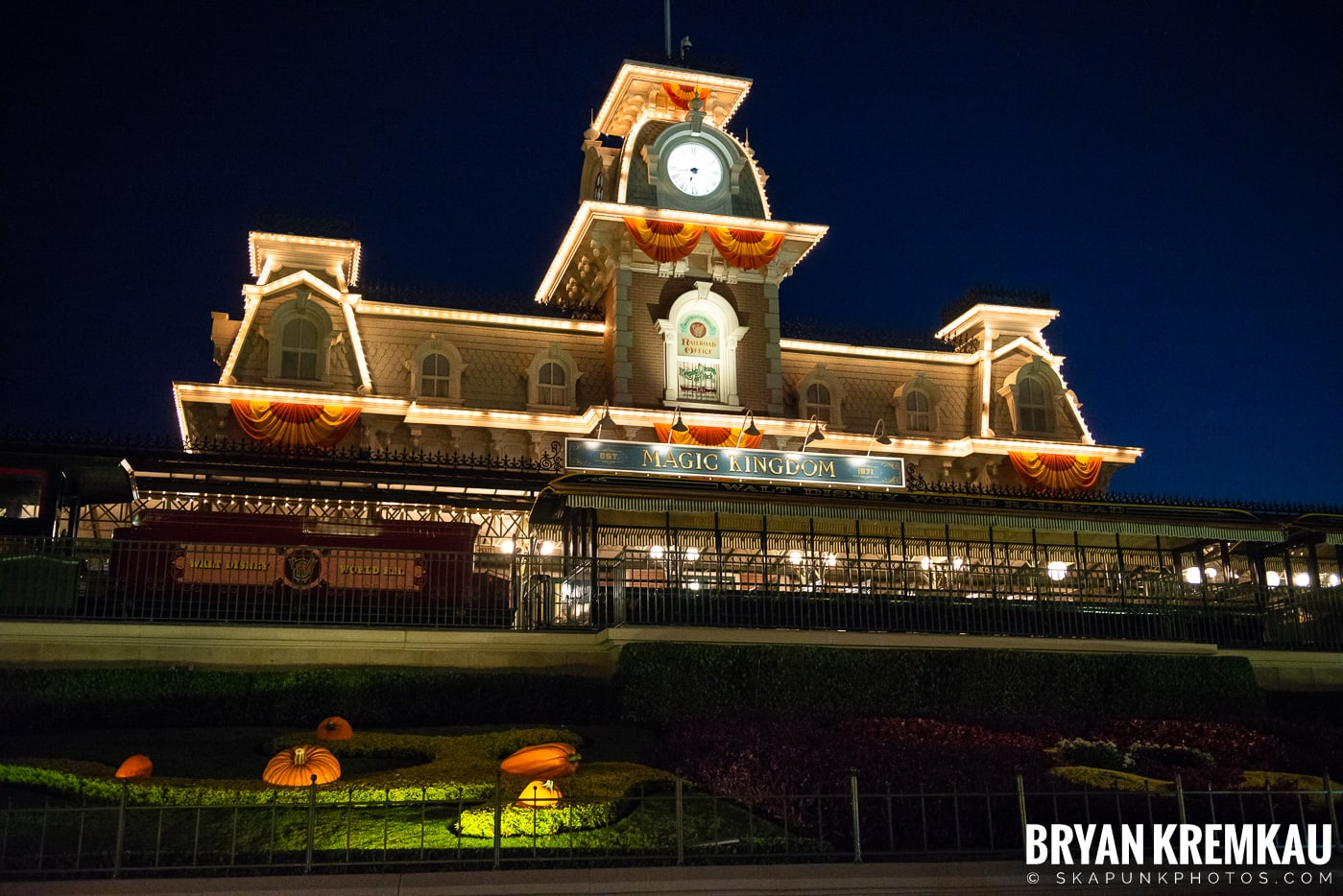 Walt Disney World Vacation: Days 1 & 2 (Disney Springs & Magic Kingdom, Epcot) September 29th - 30th 2019 (30)